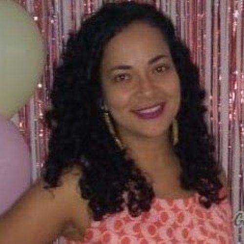 Organizadora_Ana Cláudia Barros